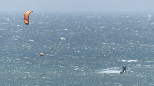 can you kitesurf on your own