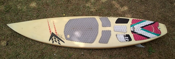 directional surfboard for kitesurfing