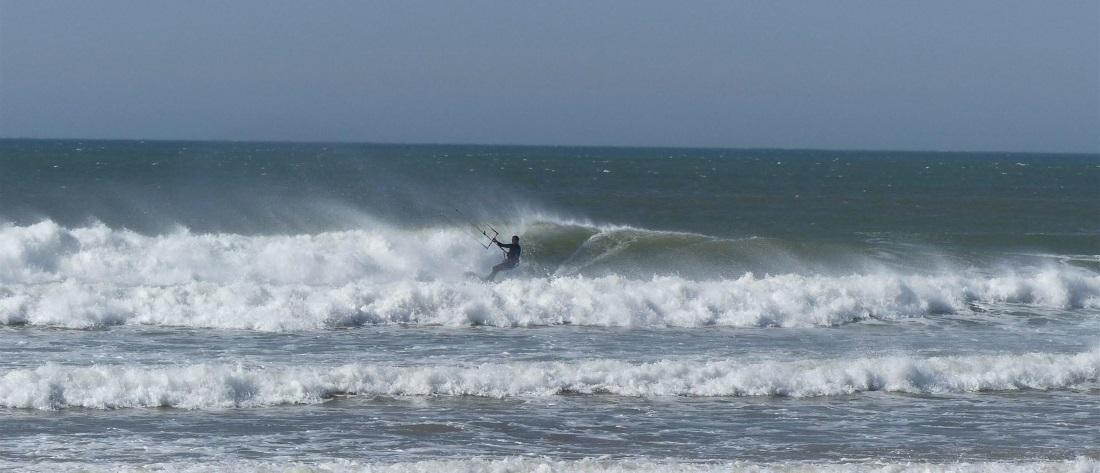 kitesurfing vs surfing