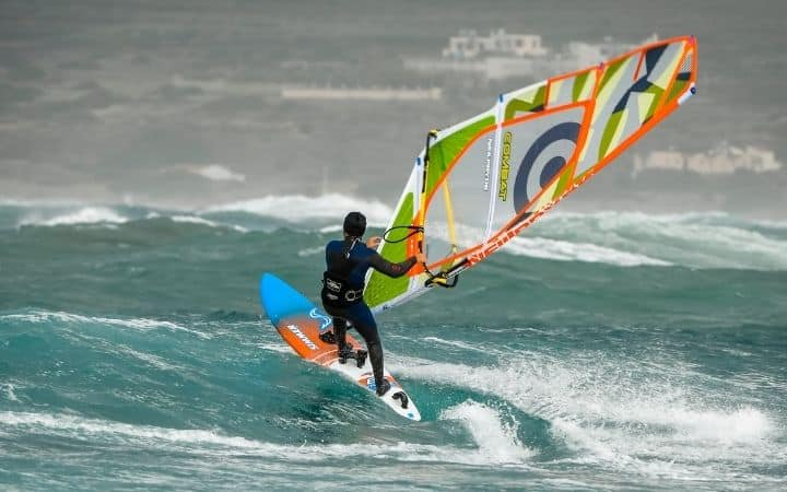 Is wingfoiling harder than wing surfing?